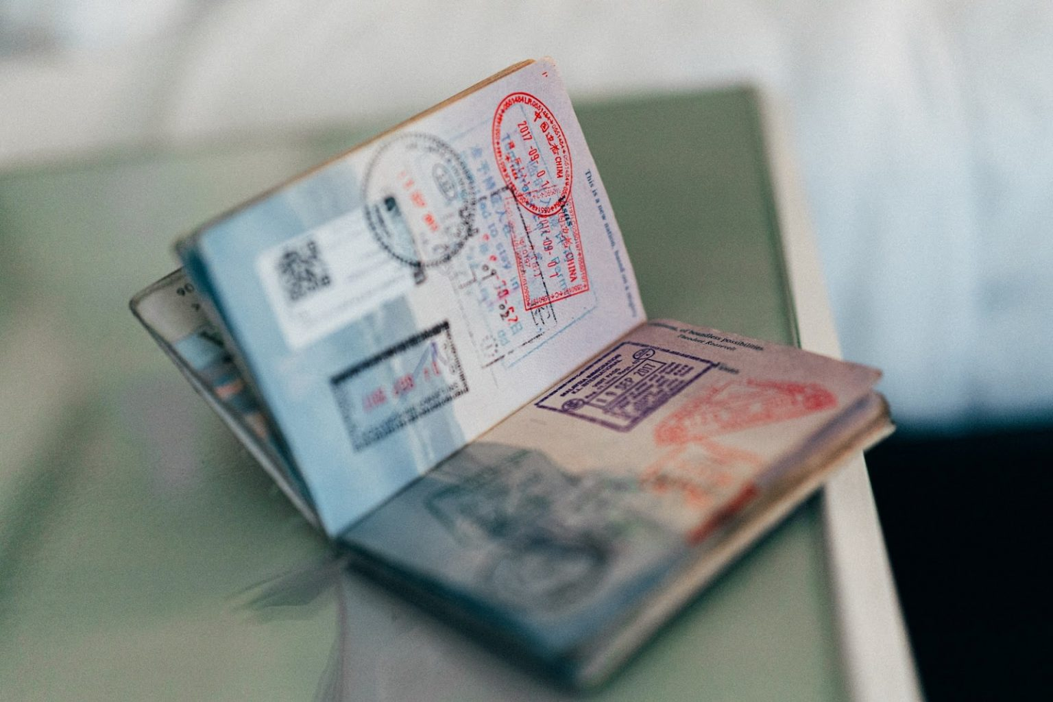 Dlaczego nie warto zatrudniać obcokrajowców przebywających na paszporcie biometrycznym?